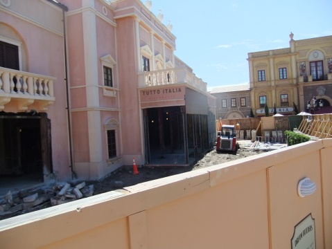 Construction at Tutto Gusto in Italy pavilion