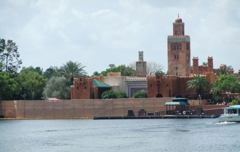 Scrim and construction walls on the lagoon side of Morocco
