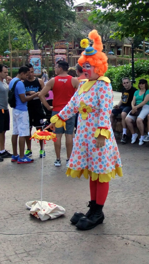Seems like Miss Bonnie and I can hardly go anywhere without running into a clown...