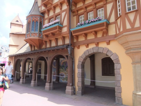 Peter Pan ride queue area near the old restrooms