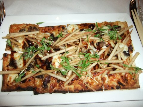 BBQ Pork and Apple Flatbread