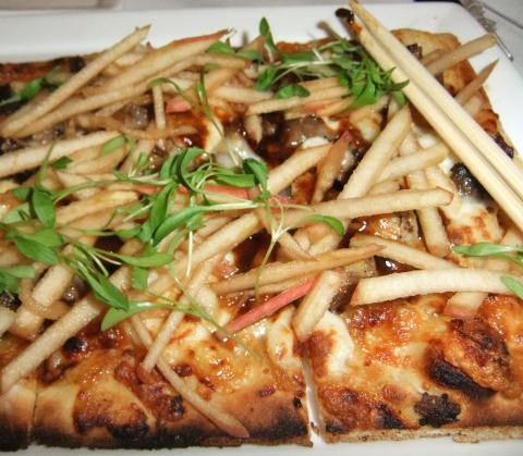A closer look at the BBQ Pork and Apple Flatbread...